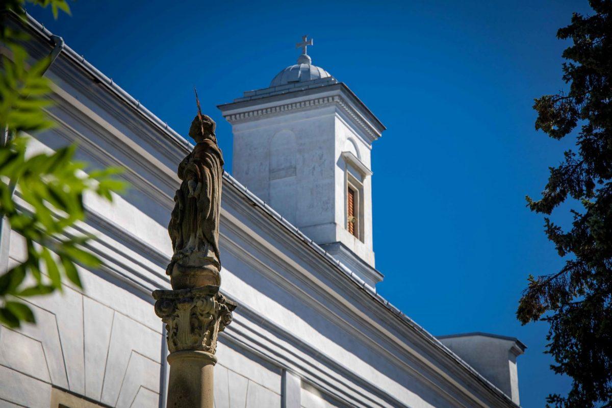 immaculata mariansky stlp kostol sv. trojice poprad