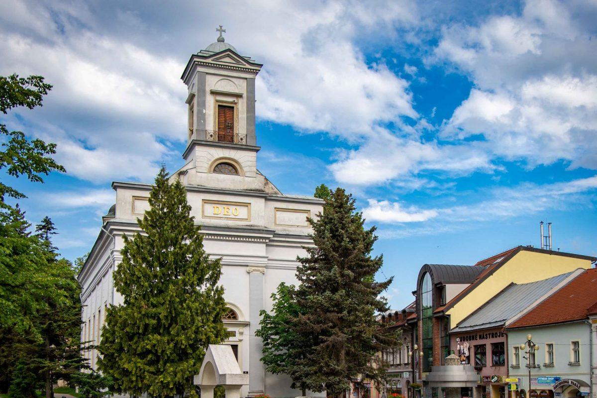 kostol sv. trojice poprad